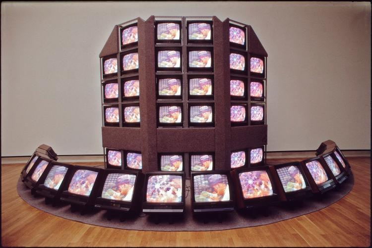 Beuys Video Wall (Beuys Hat) Beuys Video Wand (Beuys Hut)