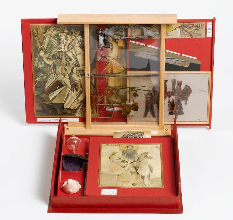de ou par MARCEL DUCHAMP ou RROSE SELAVY/Boîte-en-valise (Von oder durch MARCEL DUCHAMP oder RROSE SELAVY / Schachtel im Koffer), (1941) 1966