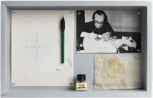 Timm Ulrichs als lebende menschliche Zielscheibe, 1971/1974